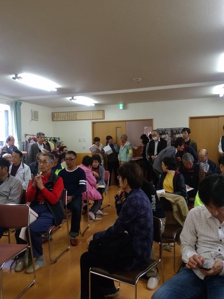 小雨の中、73名の参加者で会場は満杯でした!